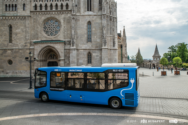A total of 20 brand new buses improve the ratio of accessible services in Budapest