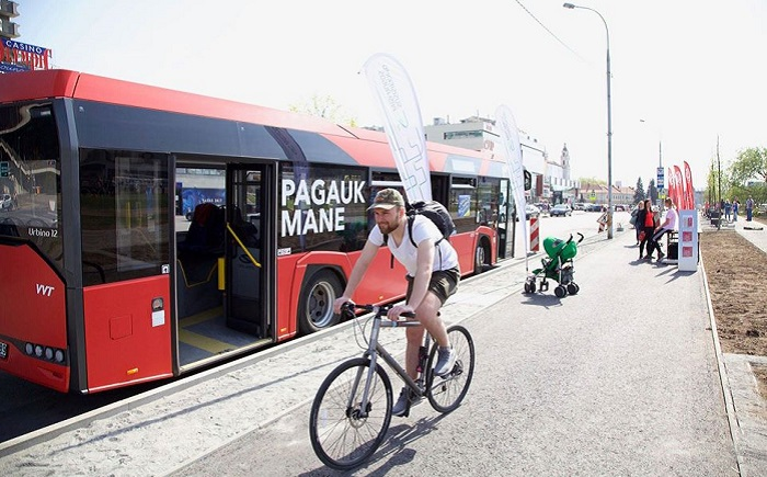 Vilnius gives names to new busses and trolleybuses, and gifts to the customers.