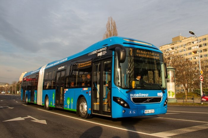New hybrid buses for the Hungarian capital in service